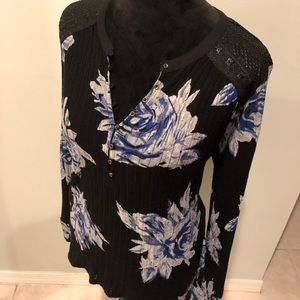 Lucky Brand Ling Sleeve Black Floral Top